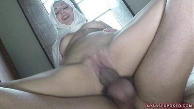 Arab old woman and american rides cock and damar fuck big tit and arse