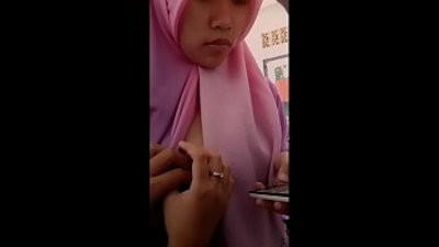 Indonesian Hijab Titranssexual Flash and Gcord