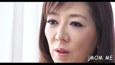 Mature Malenetta showing her Asian pussy on the fucking cam