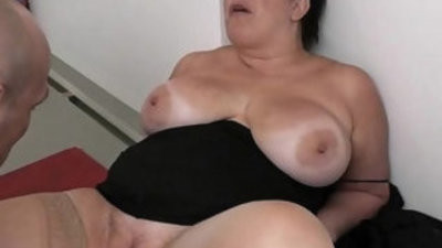 BBW in pantyhoses rides his mnutsive rod